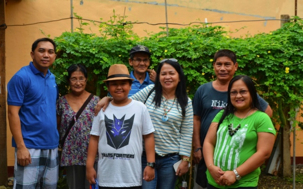 A visit and stay for a night with relatives at Mactan Air Base.  I just love the leafy vegetables in the garden.