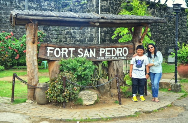 A quick visit to Fort San Pedro in the Pier Area, Plaza Independencia.